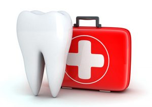 Emergency dentist logo: tooth with a first aid kit